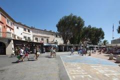 Place du Marché dans le port Grimaud, France Photos libres de droits