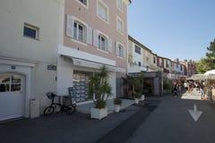 Place du Marché dans le port Grimaud, France Photographie stock libre de droits