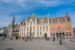 Place du marché le centre de la ville de Bruges en Belgique photo libre de droits
