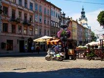 Place du marché Plosha Rynok à Lviv images stock
