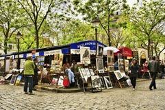 Place du Tertre en París, Francia Foto de archivo libre de regalías
