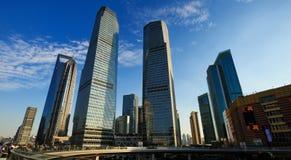 Place financière du monde de Changhaï images stock