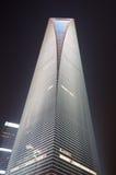 Place financière du monde de Changhaï la nuit Photographie stock libre de droits