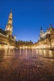 Place grande de Bruxelles, Belgique par nuit Image libre de droits