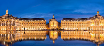 Place la Bourse in Bordeaux, the water mirror by night Royalty Free Stock Images