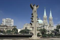 Place principale et cathédrale de Sao Paulo Photographie stock