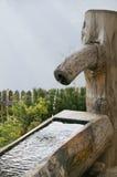 placera att bevattna som är trä Royaltyfri Fotografi