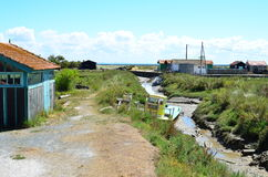 Placera ostriecole, ostronlantbrukhamnen, Oleron, maritima Charente, Frankrike royaltyfria bilder