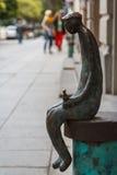 Placerad skulptur på gatan Royaltyfri Foto