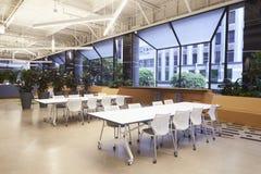 Placering i den tomma kafeterian för företags affär, Los Angeles Royaltyfri Foto