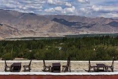 Placeringordning i det angränsande resturant av den Leh slotten i Leh, Ladakh Fotografering för Bildbyråer