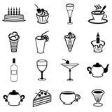 Placez avec des boissons et des desserts sur le blanc Photos stock