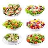 Placez avec différentes salades photo stock