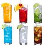 Placez avec différents cocktails images libres de droits