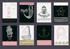 placez avec le marin, le phare, la sirène, le bateau et autre Image stock