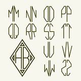 Placez 2 calibres des lettres pour créer le monogramme Photo stock