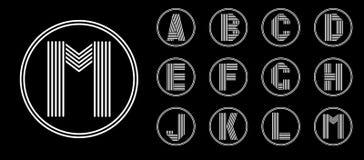 Placez 1 de calibres de quatre majuscules de la rayure blanche en cercle noir Photos libres de droits
