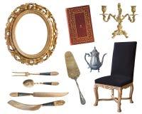 Placez de 10 vieux articles magnifiques de cru Vieux plats, appareils, bouilloires, chaises, livres, broyeur de café, chandeliers photos libres de droits
