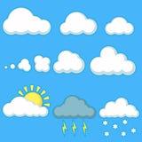 Placez des nuages avec le temps différent sur un bleu illustration stock