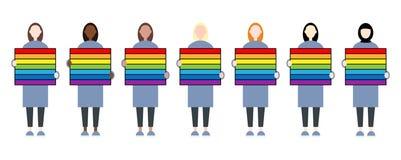 Placez des personnages f?minins divers de course tenant un signe d'arc-en-ciel La communaut? de LGBTIQ Droits de femmes illustration libre de droits