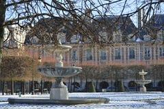 Placez DES VOSGES - Paris images stock