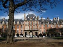 Placez DES VOSGES, Paris, France image stock