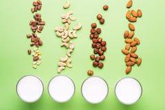 Placez du lait de journal intime de vegan non Concept de soins de santé, de régime et de nutrition images libres de droits