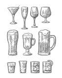 Placez la bière en verre, whiskey, vin, genièvre, rhum, tequila, champagne, cocktail illustration libre de droits
