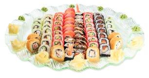 Placez le plat de petits pains de sushi - d'isolement sur le fond blanc Photo libre de droits