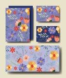 Placez les cartes faites main avec la décoration florale Image stock