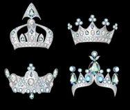 Placez les couronnes argentées sur le fond noir Photographie stock libre de droits
