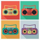 Placez les icônes d'enregistreur dans le style plat de conception Image stock