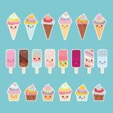 Placez les petits gâteaux avec de la crème, la crème glacée dans des cônes de gaufre, esquimau Kawaii avec les joues roses illustration libre de droits