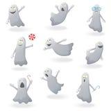 Placez pour Halloween, fantômes drôles avec différentes émotions et poses Image libre de droits