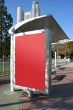 Placez votre annonce sur le panneau d'arrêt de bus Images libres de droits