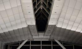 Plafond à l'aéroport 1 de Haneda image stock
