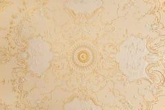 Plafond avec un ornement d'or Image libre de droits