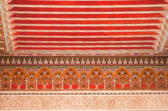 Plafond décoratif oriental dans Bahia Palace, Marrakech Photographie stock