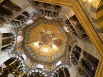 Plafond d'Octogon de cathédrale à Aix-la-Chapelle, Allemagne Photographie stock libre de droits