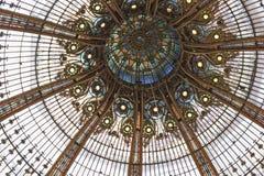 Plafond de bâtiment de dôme de style de liberté de Paris Photographie stock