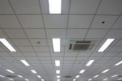 Plafond de bureau image stock