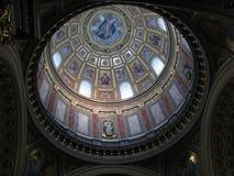 Plafond de l'église de rue Stephen à Budapest Images stock