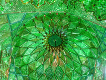 Plafond de miroir de mosquée de Shah Cheragh, Chiraz, Iran Photo libre de droits