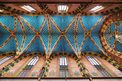 Plafond du St Mary Basilica à Cracovie image stock