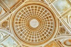 Plafond en binnenland van Frans Mausoleum stock foto's
