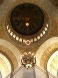 Plafond en Kroonluchter Stock Afbeelding
