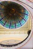 Plafond en verre souillé d'hublot Images stock