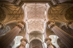 Plafond fortement décoré de De catedral Grenade photo stock