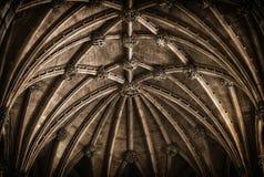 Plafond gothique d'une église Image libre de droits