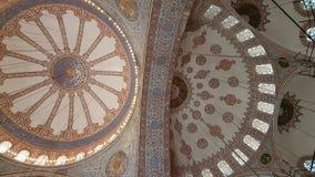 Plafond van Blauwe Moskee in Istanboel stock videobeelden